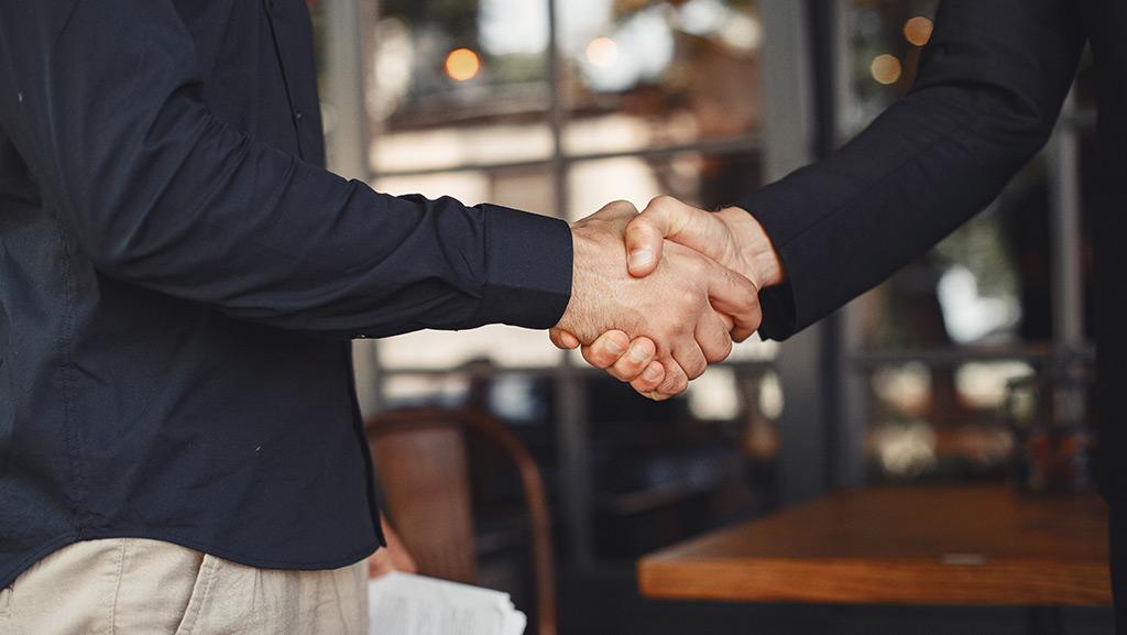 طرز صحبت یک فروشنده خوب باید چگونه باشد؟